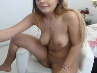 Webcam Belle - moniqueeass spanish cam babe accepts hot cum inside her pussy