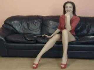 Webcam Belle - sensualmyra slim cam babe playing with her holes on camera