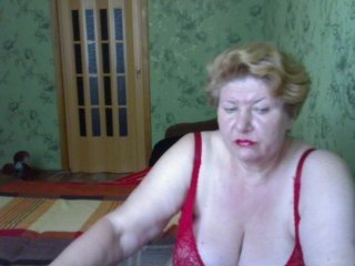 Webcam Belle - lusia42 european cam babe offers her hairy pussy for live sex experiments
