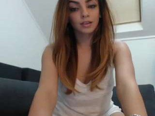 Webcam Belle - rebbecasnowshoe cam girl showing big tits and big ass
