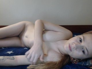 Webcam Belle - elysi cute cam girl with shaved pussy likes fucking live on a sex cam