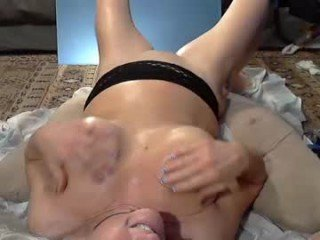 Webcam Belle - trulywantedman amateur cam mature with big tits enjoys hot live sex on the camera