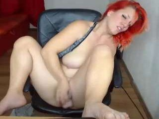 Webcam Belle - noreen25 big tits cam girl pleasing her bushy cunt with a dildo