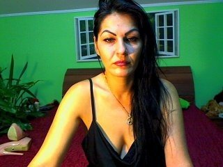 Webcam Belle - damnedqueen cam girl loves her sweet pussy penetrated hard