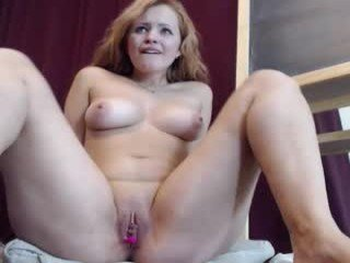 Webcam Belle - priscillamoon depraved blonde cam girl presents her pussy drilled