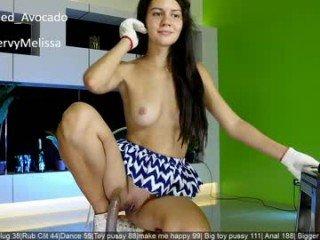Webcam Belle - melissa_yo european cam babe rubs her smooth pussy till she cums