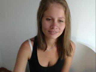 Webcam Belle - latin_rapunzel cam girl showing big tits and big ass