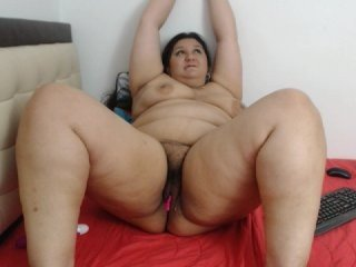 Webcam Belle - emalatina1 brunette cam girl with hairy pussy in mesh stocking loves anal