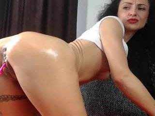 Webcam Belle - amalianilsson slim cam babe likes squirting after some hot live cam action