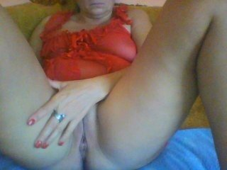 Webcam Belle - lizamargot43 brunette cam girl with shaved pussy doesn't spare her booty