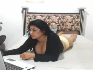 Webcam Belle - jokerandharley8 cam girl with big tits wants gets anal fucked from behind