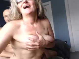 Webcam Belle - jessilynnxoxo amateur cam mature with big tits enjoys hot live sex on the camera