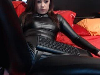 Webcam Belle - tommyandtiffany cam girl with small tits loves latex in the chatroom