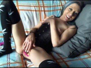 Webcam Belle - mrsrolling cam girl gets her shaved pussy filled with hot cum