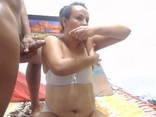 Webcam Belle - kellygtgngbng cam girl gets her shaved pussy filled with hot cum