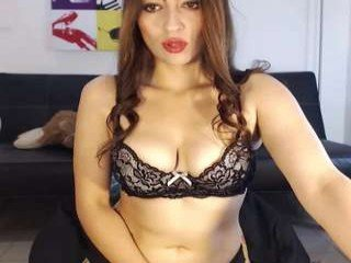 Webcam Belle - lara_moore cam girl with big tits wants gets anal fucked from behind