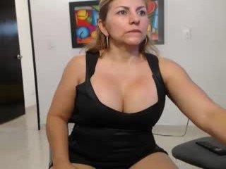 Webcam Belle - sara211 amateur cam mature with big tits enjoys hot live sex on the camera