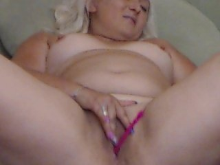 Webcam Belle - k0rtney blonde white cam babe wants her pussy stretched
