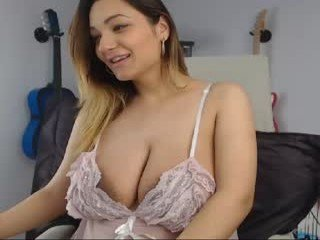 Webcam Belle - lorennamorgan white cam babe with big tits goes doggie style online