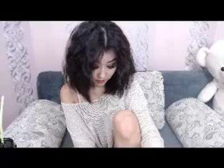Webcam Belle - leila_asian cam girl get her pussy humped