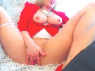 Webcam Belle - xjessigirlx european cam babe rubs her smooth pussy till she cums