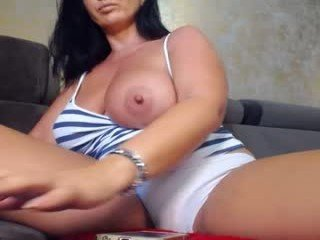 Webcam Belle - sexyygoddes big tits cam girl fucking each other with toys