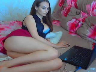 Webcam Belle - hot21couple european cam babe rubs her smooth pussy till she cums