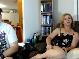 Webcam Belle - aussie_couple72 cam babe loves abundant squirting after crazy roleplay online