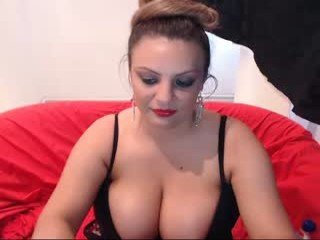 Webcam Belle - rachel1112 cam girl with big tits lets the huge dick deep inside her pussy