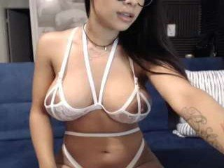 Webcam Belle - katarinapierce cam girl showing big tits and big ass