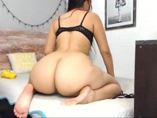 Webcam Belle - ms_sapphire cam girl showing big tits and big ass