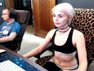 Webcam Belle - xjennaxtaliax blonde cam babe with small tits needs much live sex