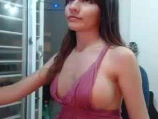Webcam Belle - lunita_lanenahot big tits cam girl pleasing her bushy cunt with a dildo