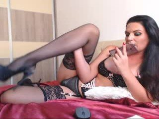 Webcam Belle - ninafetishxxx3 cam girl is helplessly bound and face fucked