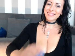Webcam Belle - naughtyelle cam girl with big tits wants gets anal fucked from behind