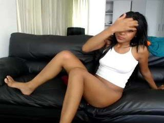Webcam Belle - queen_chanel spanish cam babe accepts hot cum inside her pussy