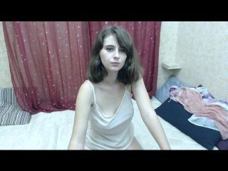 Webcam Belle - rosefaris european cam babe rubs her smooth pussy till she cums