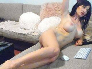 Webcam Belle - layanaqueen big tits cam babe have to shave pussy