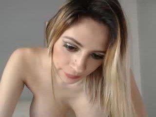 Webcam Belle - kristenblue big tits spanish cam babe loves fucking on camera