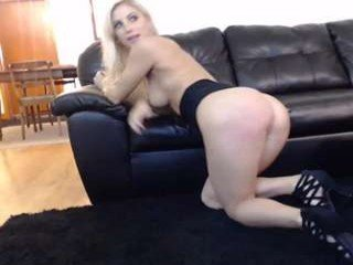 Webcam Belle - robxxxrider horny cam girl enjoys dirty anal live sex in exchange for a good mark