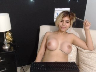 Webcam Belle - jennifergl7 cam girl loves her sweet pussy penetrated hard