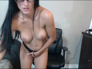 Webcam Belle - ddboubou french cam milf with nice titties loves fucking her boyfriend