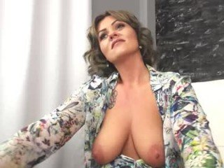 Webcam Belle - angellawillsquirt ohmibod live show with cam milf in the chatroom