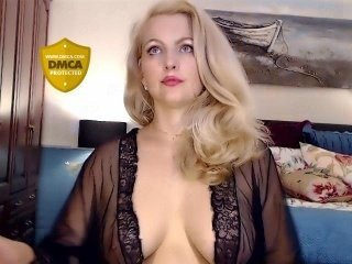 Webcam Belle - deliciousalba white cam babe with big tits goes doggie style online