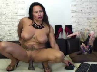 Webcam Belle - florasquirt cam girl with big tits wants gets anal fucked from behind