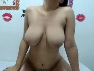 Webcam Belle - latinas_sex19 cam girl with big tits wants gets anal fucked from behind